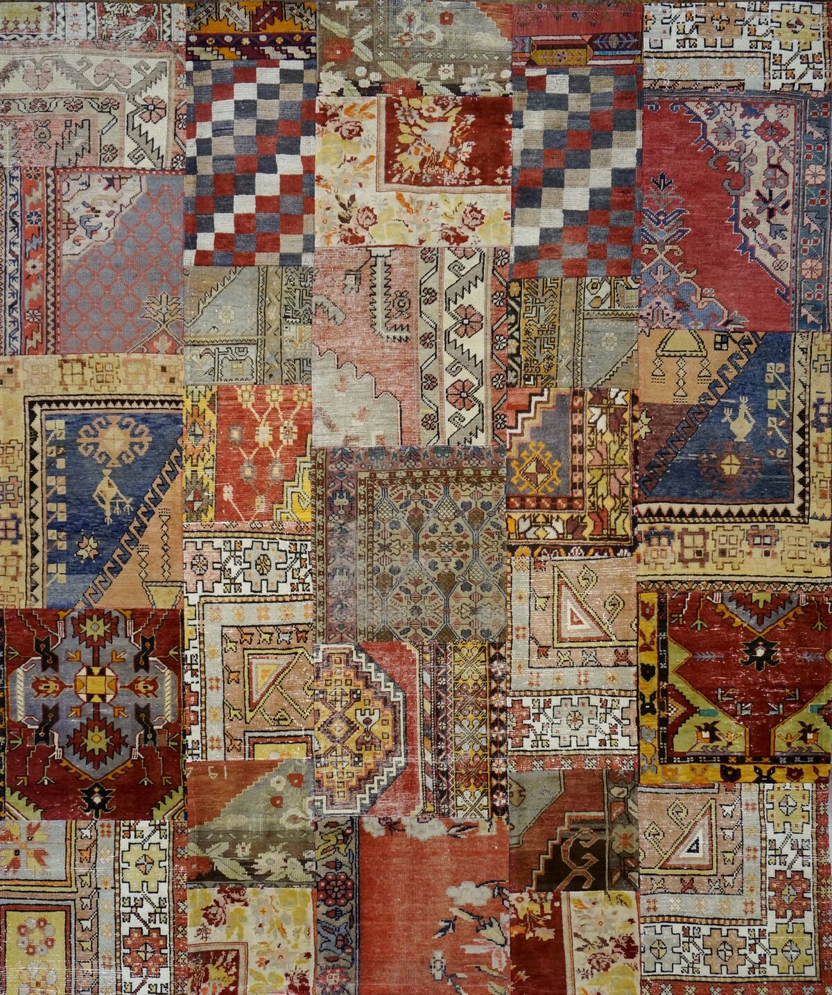 Are Rugs Sultanabad Masters Collection
